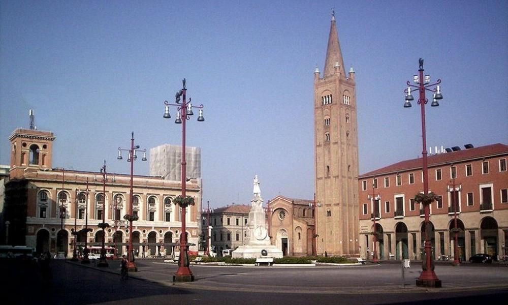 Piazza Aurelio Saffi Forlì